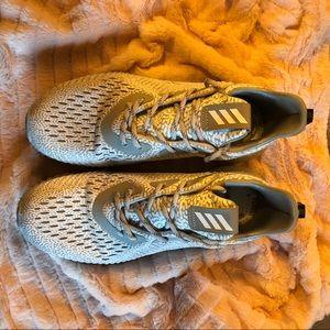 Adidas Alpha Bounce women size 7